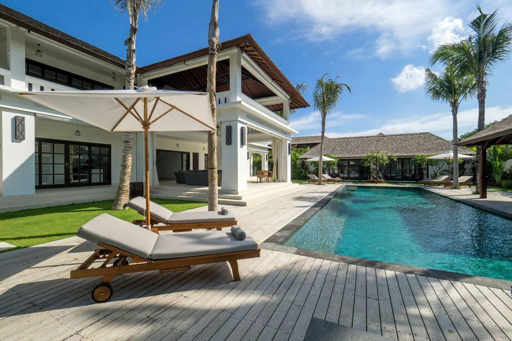 pool deck - Villa Tjitrap