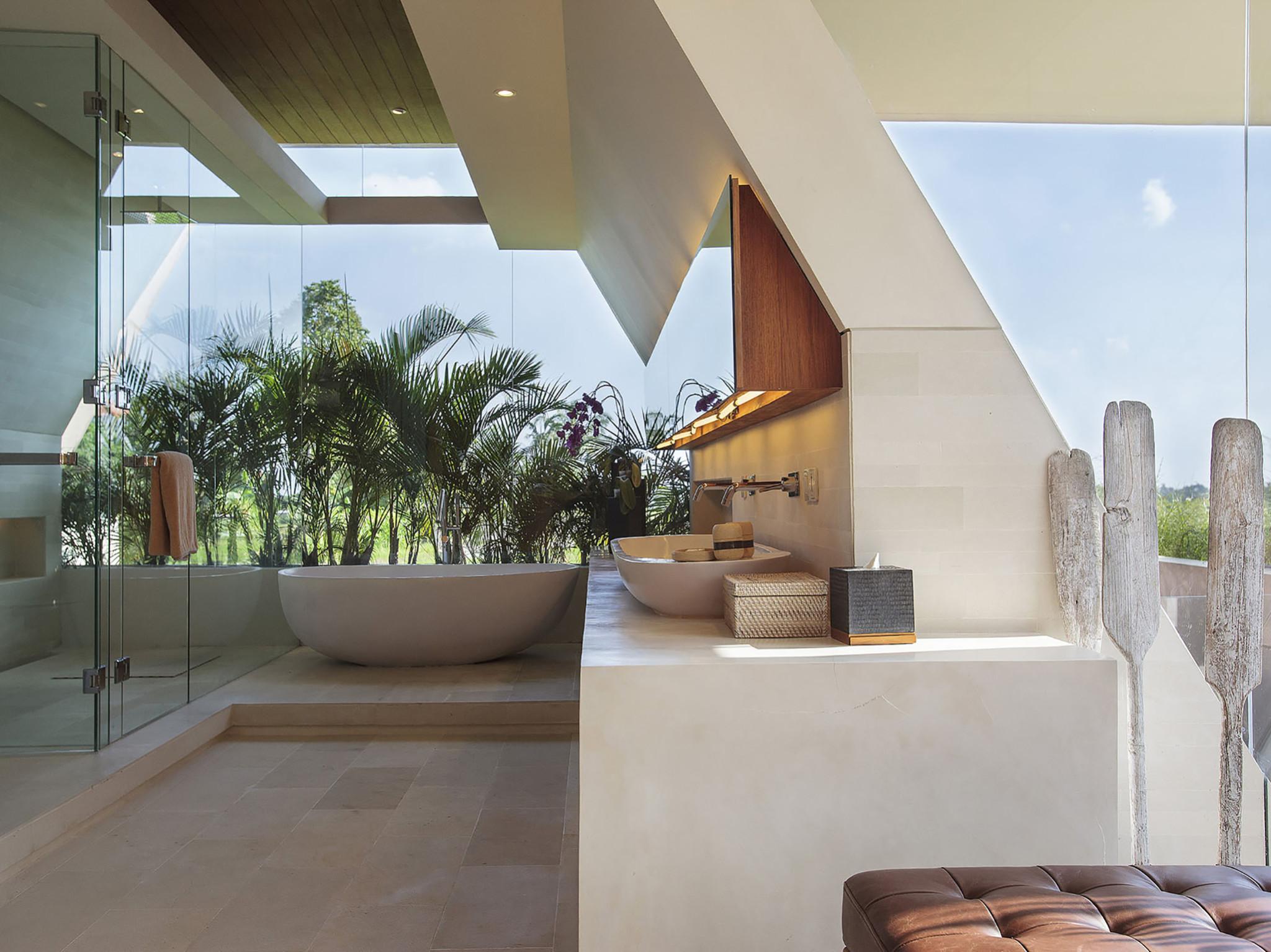 The Iman Villa - Canggu Bali - Spacious master ensuite