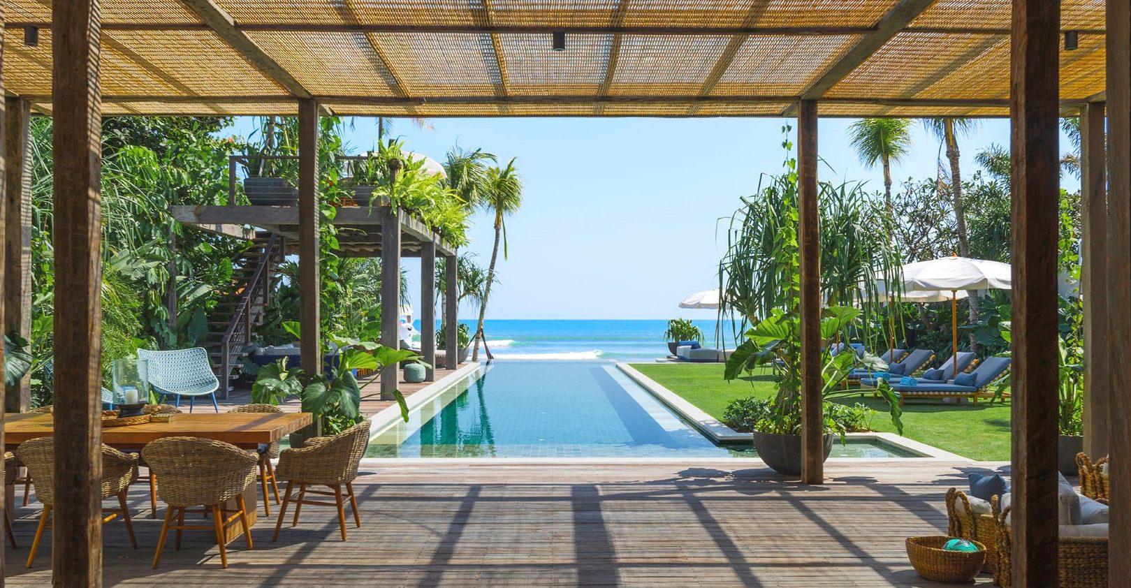 Noku Beach House - Walkway to main pool
